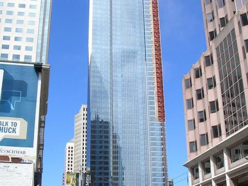 Millennium Tower v San Francisku (Autor: Hydrogen Iodide via Wikimedia Commons; CC-BY-SA-2.0)